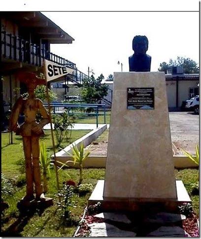 Homenaje a Héctor Lara