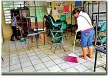 Salon de clases limpiando