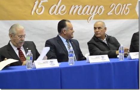 Agustín Morales Entrega de estímulo Día del Maestro 2015