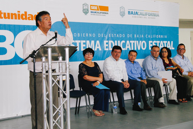 Educacion Bc Entrega Gobierno Del Estado Oficios De Liberacion Del Servicio Educativo A  Maestros Estatales